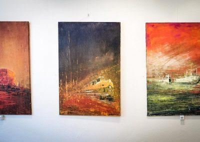 Foto von Gemälden zur Vernissage von Otto von Kotzebue